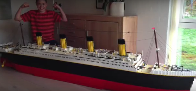 Master Lego Builder Just Created The Most Amazing Thing Using Thousands Of Bricks